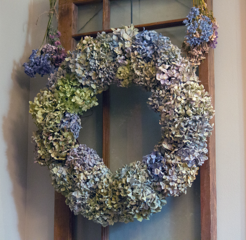 dried hydrangea wreath, Rockhaven B&B, Harpers Ferry